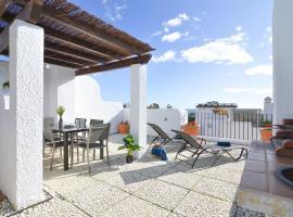 WintowinRentals Townhouse, Roof Terraze & Pool, villa in Torre de Benagalbón