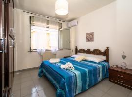 Sardinia-holiday casa Pesce Palla, apartment in La Maddalena