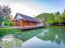 Into The Forest Resort, hotel near Mega Bangna, Samut Prakan