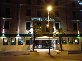 Hotel Plaza, hotel in Desenzano del Garda