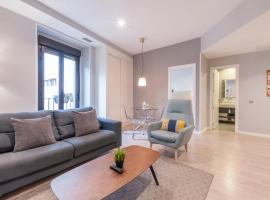 Arenal Suites Puerta del Sol, apartment in Madrid