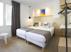 Hotel Izzy by HappyCulture, hotel near Porte de Saint-Cloud Metro Station, Issy-les-Moulineaux