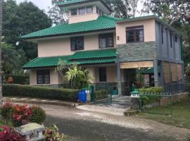 Villa Green Fresh - Bumi Ciherang - Cipanas, family hotel in Cianjur
