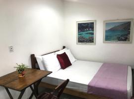 suíte prime centro vila do abrãao, budget hotel in Abraão