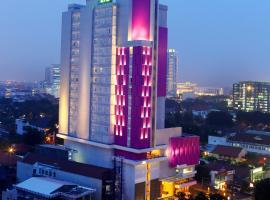 Hotel Santika Premiere Gubeng Surabaya, hotel with pools in Surabaya