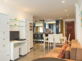 Flat Natal - Localização TOP e WIFI, apartment in Natal