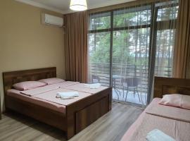 Summer House, отель в Кобулети