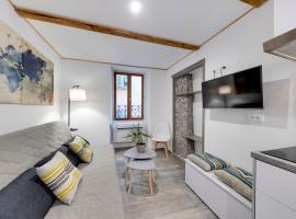 Charmant duplex vieille ville Sablettes, budget hotel in Menton