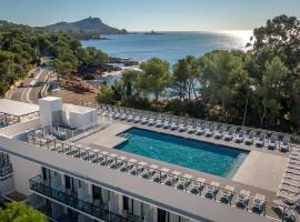 SOWELL HOTELS La Plage, hotel in Saint-Raphaël