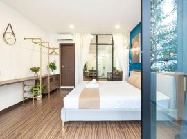 Cozrum Smart - First Target Hotel, family hotel in Ho Chi Minh City