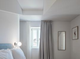Lisbon Serviced Apartments - Mouraria, apartment in Lisbon