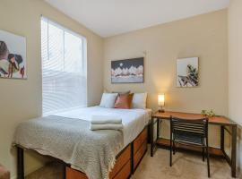 Modern and Homely Studio FSU Nearby, vacation rental in Tallahassee