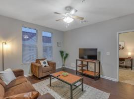 Beautiful Apartment with Pool and Spa, vacation rental in Tallahassee