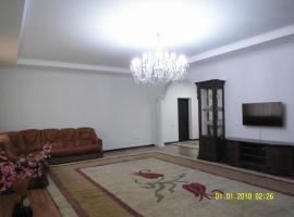 3х комнатные Vip апартаменты с двумя санузлам 140 м2.Две 2х комнатные VIP aпартаменты по 100м2,три квартиры на одной лестничной площадке ., гостиница в Шымкенте