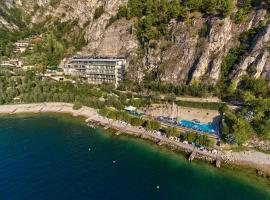 HOTEL ASTOR, hotel in Limone sul Garda