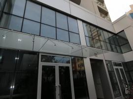 Mulaj Hotel, hotel in Tirana