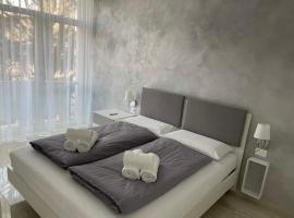 CASA VITTORIA - SIEGESHAUS, apartment in Bolzano