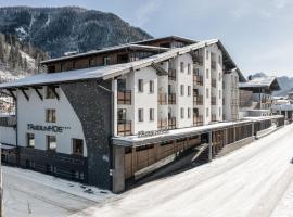 Funsport-, Bike- & Skihotelanlage Tauernhof, hotel in Flachau
