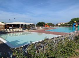 Club Esse Gallura, hotell i Aglientu