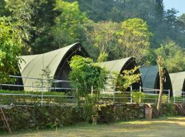 Aitabykho, luxury tent in Lansdowne