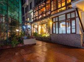Sunflower Hotel, hotel in Manāli