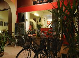 Red Inn Court, hotel in George Town