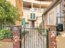 Bright Finalborgo Apartment, apartment in Finale Ligure