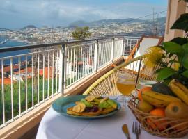 Villa Reis Sao Goncalo, hotel near Quinta do Palheiro Ferreiro, Funchal