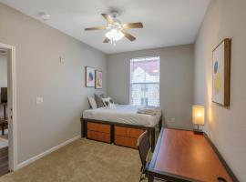 Perfect Location 2BR Suite near FSU, vacation rental in Tallahassee