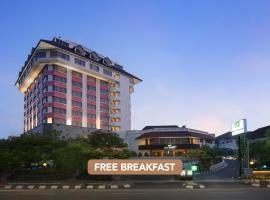 Hotel Santika Premiere Semarang, hotel with pools in Semarang
