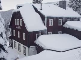Hotel Děvín – hotel w mieście Pec pod Sněžkou