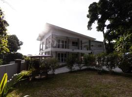 Peponi SelfCatering Apartments, hotel in Beau Vallon