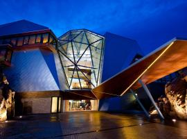 Sparkling Hill Resort - Adults Only, hotel in Vernon