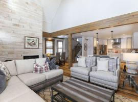 Troon Haus Luxury 4BR Home in Heart of Breck, villa in Breckenridge