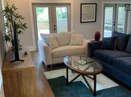Stylish Belt-Line Living! Near Downtown Atlanta!, vacation home in Atlanta