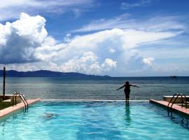 Le Divine Comedie Beach Resort, hotel near Loi Lay Floating Party, Baan Tai, Ban Tai