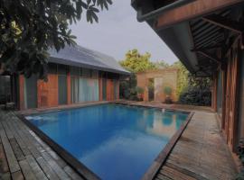 Ayom Java Village Solo, villa in Solo