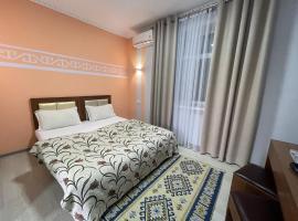 Viva Hotel Bishkek, hotel in Bishkek