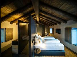 Les Pardines 1819 Mountain suites & SPA, hotel cerca de Telecabina de Canillo, Encamp