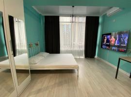 1 ком студия ЖК Дом на Абая, hotel in Almaty