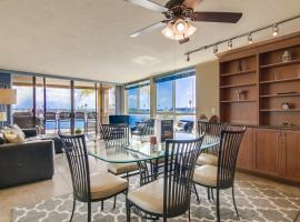 3 Levels of WaterFront, 2 Exclusive Patios, AC, villa in San Diego