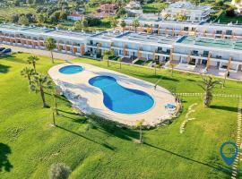 Vila Branca com piscina, villa in Albufeira