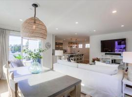 BRAND NEW, Walk to Ocean, AC, 3 Levels, villa in San Diego