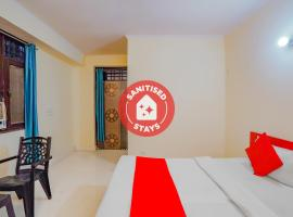OYO 79086 Pragya Comfortable Stays, hotel in Noida