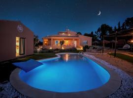 Alamos Retreat - Wellness & Yoga Boutique Hotel, hotel near Algarve Shopping Center, Albufeira