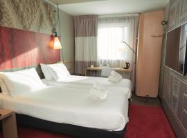 ibis Glasgow City Centre – Sauchiehall St, hotel near Glasgow Queen Street Station, Glasgow