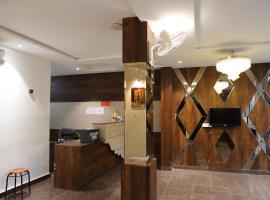 Hotel Dream Comfort, отель в Агре