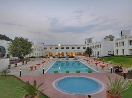 Inder Residency Udaipur, hotel with jacuzzis in Udaipur