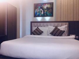 Hotel The Omaira, hotel in Jaipur