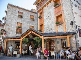 Hotel Casa Ruba, hotel cerca de Peña Telera, Biescas
